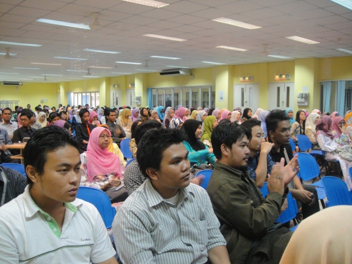 You are browsing images from the article: Program Kerjaya 2011